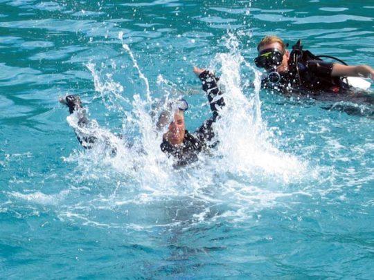rescue diver + EFR, hacer buceo en tarifa, buceo barbate