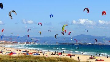 Kitesurf: Adrenalina en las costas de Cádiz